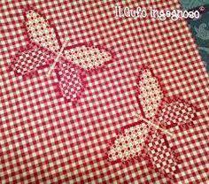 Risultati immagini per children scratch ,broderie suisse Sashiko Embroidery, Embroidery Stitches, Hand Embroidery, Embroidery Designs, Chicken Scratch Patterns, Chicken Scratch Embroidery, Mini Album Tutorial, Girl Scout Crafts, Heirloom Sewing