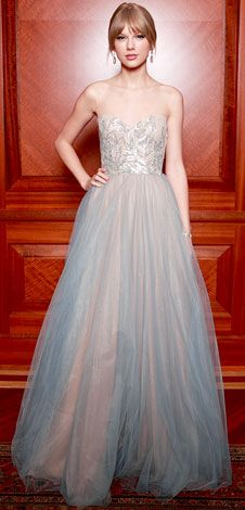 Taylor Swift  in a Reem Acra design and House of Lavande jewelry.