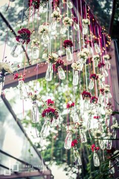 Wedding decor / beautiful and little details / pendent flowers