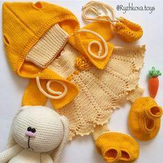 Mesmerizing Crochet an Amigurumi Rabbit Ideas. Lovely Crochet an Amigurumi Rabbit Ideas. Crochet Rabbit, Crochet Bunny, Crochet Toys, Crochet Russe, Knitting Patterns, Crochet Patterns, Knitted Animals, Knitted Dolls, Double Crochet