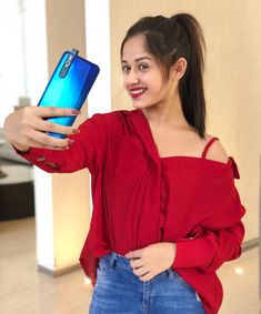 Jannat zubair cute and hot bollywood Indian actress model unseen latest very beautiful and sexy wedding smile images of her body curve south. Cute Girl Photo, Girl Photo Poses, Girl Photography Poses, Girl Poses, Stylish Girls Photos, Stylish Girl Pic, Stylish Outfits, Teen Celebrities, Ootd