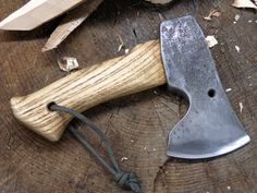 Beautifully made pocket sized hatchet by Samek of Slovenia. SWEET-I like this size for Fighting - Hank Stetson Wilderness Survival, Survival Tools, Survival Knife, Knives And Tools, Knives And Swords, Beil, Bug Out Bag, Old Tools, Outdoor Survival