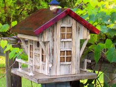 Old Inn and Tavern Birdhouse   By Mill Creek Crafts