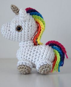 http://wixxl.com/free-amigurumi-patterns/ Cute Rainbow Amigurumi Unicorn Pattern