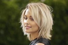 Paris Jackson is stripped to meditate Long Hair Cuts Jackson meditate Paris stripped Paris Jackson, Medium Hair Styles, Short Hair Styles, Corte Y Color, Haircut And Color, Great Hair, Hair Today, Short Hair Cuts, Choppy Medium Hair Cuts