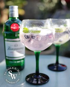 Gin and Tonic Recipe: A Simple, Refreshing Drink. The Gin & Tonic is a popular way to enjoy your favorite gin in a simple recipe. Perfect for any occasion or Gin Drink Recipes, Gin Cocktail Recipes, Alcohol Recipes, Cocktail Drinks, Easy Gin Cocktails, Drinks Alcohol, Water Recipes, Alcoholic Drinks, Beverages