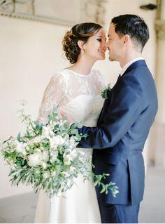 Classy wedding with a mint green colour palette | Fine art destination wedding photographer Madalina Sheldon