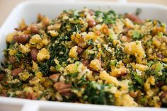 Migas de Broa with Green Broth and Butter Beans - vote) Ingredients: 180 ml olive oil 6 cloves garlic, finely chopped 200 gr of sliced g - Other Recipes, Real Food Recipes, Vegetarian Recipes, Cooking Recipes, Healthy Recipes, Healthy Options, Healthy Treats, Migas Recipe, Good Food