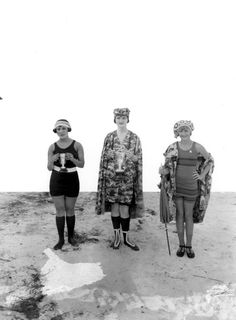 1922 Bathing costume contestants at Ballast Point - Tampa, Florida   Here's a retro swimsuit!   :)