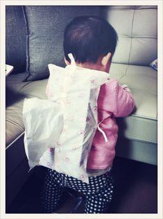 夫発案・妻製作、乳児がティッシュの箱で遊ばないようにするアイデア。#2012jun_baby