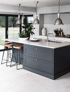 New Kitchen Renovation Backsplash Spaces Ideas Dark Grey Kitchen, Modern Kitchen Island, New Kitchen, Kitchen Decor, Kitchen Islands, Decorating Kitchen, Kitchen Ideas, Kitchen Island Seating, Modern Kitchen Lighting