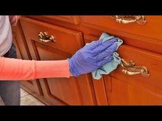 ✅ Αν Βαρεθήκατε κι εσείς να Ξεσκονίζετε κάθε Μέρα, αυτό το Μυστικό θα σας Λύσει τα Χέρια! - YouTube Cider Vinegar Benefits, Commercial Cleaners, Wooden Decor, Green Cleaning, Clean House, Whitening, Youtube, Matins, Easy Tricks
