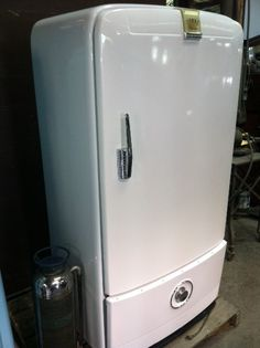 1947 Frigidaire Refrigerator Manual Manual, Clutter and