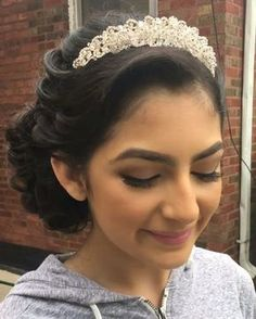 20 Absolutely Stunning Quinceanera Hairstyles with Crown - Andrea Prado - Sweet 16 Hairstyles, Quince Hairstyles, Best Wedding Hairstyles, Crown Hairstyles, Elegant Hairstyles, Bridal Hairstyles, Elegance Hair, Mohawk, Quinceanera Hairstyles