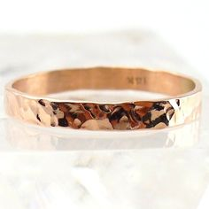Dünne Ehering solide Rotgold Ring gehämmert von Forkwhisperer