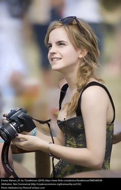 Emma Watson New Ideas For Photography Poses Emma Watson Body, Emma Watson Sexiest, Beautiful Celebrities, Beautiful Actresses, Beautiful Women, Harry Potter Film, Emma Watson Beautiful, Music Festival Fashion, Festival Style