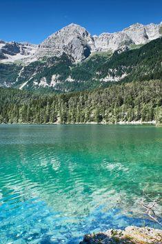 La tua vacanza inizia da un respiro, profondo e semplice, tuo. Un respiro che allenta la tensione, che lascia indietro ogni preoccupazione, che libera.  La tua vacanza inizia in Trentino, ti aspettiamo.