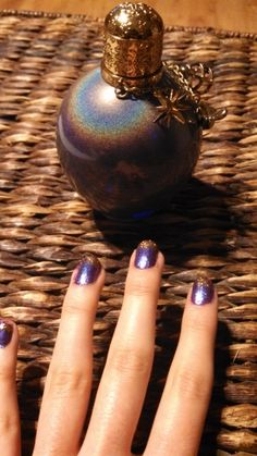 #ThanksforAlltoowellTaylor   In honor of All Too Well I made these Wonderstruck Nails <3 please re-pin if you like them :)