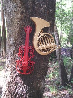 Two of my three favorite instruments. Maybe I could base some room decor with this. Music Pics, Music Images, Musical Horns, Music Items, French Horn, All About Music, Sweet Notes, Easy Home Decor, Sound Of Music