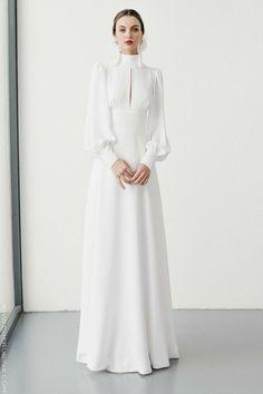 Vintage Wedding Gown I High neck Line I Long Sleeves I Crisp White Dress I Peek a Boo Collar Muslim Fashion, Modest Fashion, Fashion Dresses, Elegant Dresses, Beautiful Dresses, Bridal Dresses, Prom Dresses, Dress Wedding, Wedding Abaya
