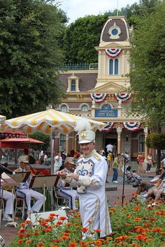 We love the Disneyland band. It will be a sad day when this lovely gentleman retires.