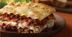 Easy Beef Lasagna Recipe Main Dishes with prepared lasagne, onions, ground beef… Creamed Mushrooms, Stuffed Mushrooms, Stuffed Peppers, Ground Venison Recipes, Deer Meat Recipes Ground, Mushroom Lasagna, Mushroom Sauce, Mushroom Chicken, Lasagna Casserole