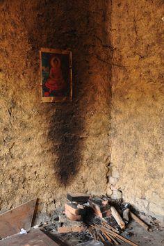 zu Besuch bei einem chinesischen Wanderarbeiter Nongmingong in Chengdu, Sichuan, China Chengdu, China, Painting, Migrant Worker, Chinese, Hiking, Pictures, Painting Art, Paintings