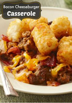 Bacon Cheeseburger Casserole recipe - As good as it sounds—a bacon cheeseburger in easy casserole form! Instead of fries on the side, you get golden brown potato nuggets on top. Beef Dishes, Food Dishes, Main Dishes, Side Dishes, Casserole Dishes, Casserole Recipes, Pierogi Casserole, Potato Casserole, Chicken Casserole