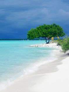 this beach looks very peaceful and seems like a good place to sit down with a book and relax for a while. Beach Fun, Beach Trip, Dream Vacations, Vacation Spots, Places To Travel, Places To See, Places Around The World, Around The Worlds, Destination Voyage