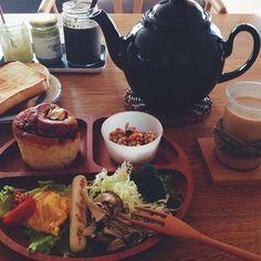 ワンプレートランチでも、朝ご飯でも。 仕切られているので、パンにオカズの汁気が染みる心配がありません。大人の洒落たランチやブランチでも格好良い。