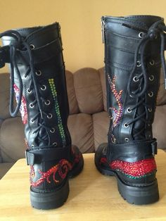 My personal riding boots...if you want me to design some for you, please contact me at customerservice@mystic-icing.com