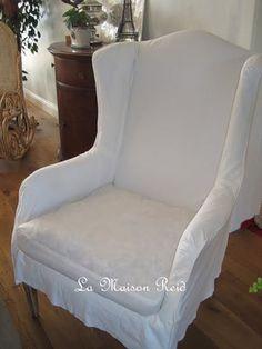 Cubra uma cadeira com as mãos
