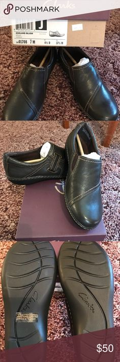🎄NIB Clark's Ashland Blush Brown Marron🎄 NIB Clark's Ashland Blush Brown Martin shoes.  They are beautiful and up for sale just in time for Christmas. Clarks Shoes Mules & Clogs