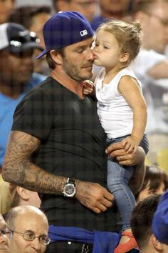 David and Harper Beckham are really vying for the title of cutest father-daughter duo! Following their too-adorable-for-words Kiss Cam pic t...