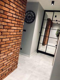 Płytki z cegły rozbiórkowej, retro, loft. Home Entrance Decor, House Entrance, Modern Industrial Decor, Brick Cladding, Brick Interior, Apartment Makeover, 3d Home, Home Room Design, Home Fashion