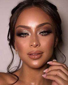 Makeup Eye Looks, Skin Makeup, Eyeshadow Makeup, Eyeliner, Eyeshadow Palette, Eyeshadow With Glitter, Gray Eyeshadow, Glam Makeup Look, Glamour Makeup