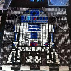 R2D2 Star Wars perler beads by johannaastenvall