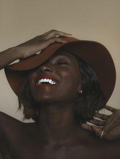 All that melanin looks good on her ❤️ Dark Beauty, Beauty Skin, School Looks, Black Power, Afro, Dark Skin Girls, Pelo Natural, Mode Blog, Brown Girl