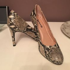 """NIB Round Toe Classic Toe Snakeskin Pumps natural snakeskin color with a moderate 3.5"""" heel. New in box, never worn. Size 7 medium. Shoes Heels"""