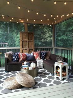 Adorn Your Outdoor Space with These 16 Porch Furniture Ideas – Futurist Architecture