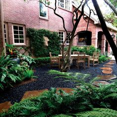 what color mulch with gray house flowers for red brick landscaping rock brown co. what color mulch Pebble Landscaping, Landscaping With Rocks, Backyard Landscaping, Landscaping Ideas, Black Rock Landscaping, Backyard Patio, Backyard Ideas, Garden Ideas, Exterior House Colors