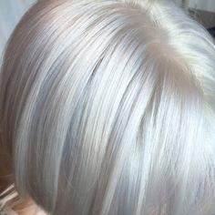 Goldwell and Olaplex. Ice Blonde Hair, Silver Blonde Hair, Blonde Hair Shades, Icy Blonde, Grey Hair For Pale Skin, Grey White Hair, Blonde Highlights Bob, Silver Highlights, Short Thin Hair