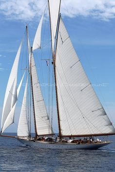 "goélette ""Eléonora"" Classic Sailing, Classic Yachts, Sailing Trips, Sailing Yachts, Wooden Sailboat, Yacht Week, Wood Boats, Boat Stuff, Sail Away"