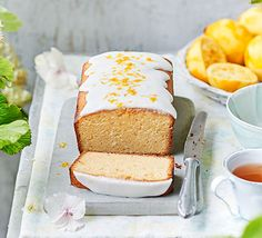 Recipes Lemon & buttermilk pound cake This buttermilk pound cake has a dense, moist crumb and luggage of lemon flavour to reduce thru the richness. Make it for afternoon tea or for a summer picnic Best Lemon Dessert Recipe, Lemon Desserts, Healthy Desserts, Ultimate Chocolate Cake, Chocolate Pound Cake, Chocolate Chips, Bbc Good Food Recipes, Baking Recipes, Cookie Recipes