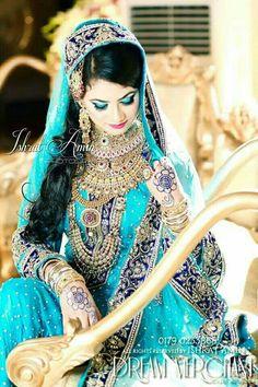 Beautiful Indian Brides, Bengali Bride, Muslim Beauty, Indian Wedding Photography, Indian Bridal, Bridal Fashion, Womens Fashion, Indian Outfits, Lahenga