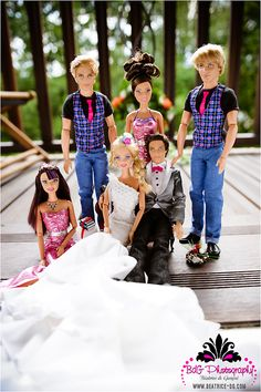 GIRLS: look at the album. It's seriously ever little girl's dream Ken & Barbie wedding. I was kind of amazed and wanting to pick up a Barbie again, haha.