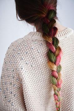 i seruiously love those colors.. it looks like fall!