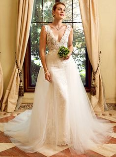 Sheath / Column Plunging Neckline Chapel Train Lace Tulle Wedding Dress with Appliques by LAN TING BRIDE® - USD $199.99 ! HOT Product! A hot product at an incredible low price is now on sale! Come check it out along with other items like this. Get great discounts, earn Rewards and much more each time you shop with us!