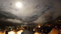 Sony Alpha 77 - Night Lights  (Timelapse). Eine Nacht in 30 Sekunden; dieses Video zeigt ein wunderschönes Naturschauspiel im Nachthimmel üb...