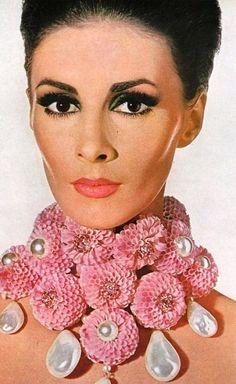Floral statement necklace on Wilhelmina.
